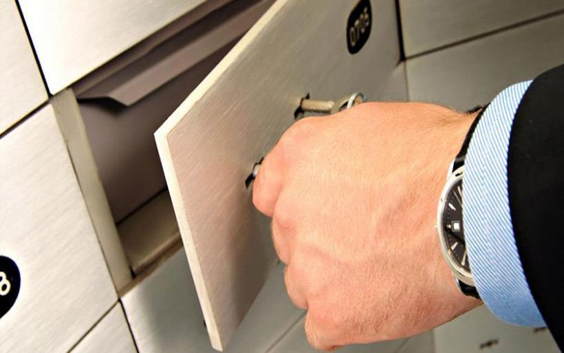 «Χέρι» σε λογαριασμούς και θυρίδες βάζει το ΣΔΟΕ