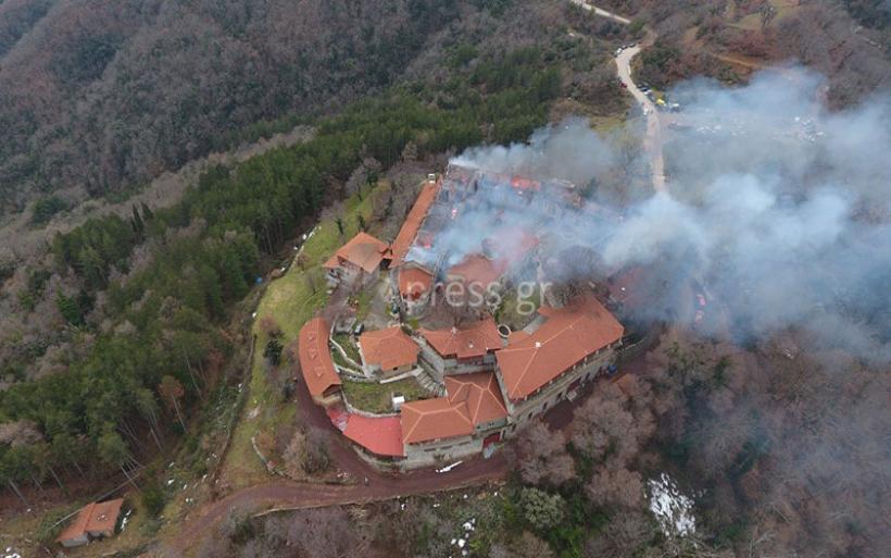 Μεγάλη καταστροφή στην Μονή Βαρνάκοβας - Οι μοναχές κατόρθωσαν να σώσουν τα κειμήλια