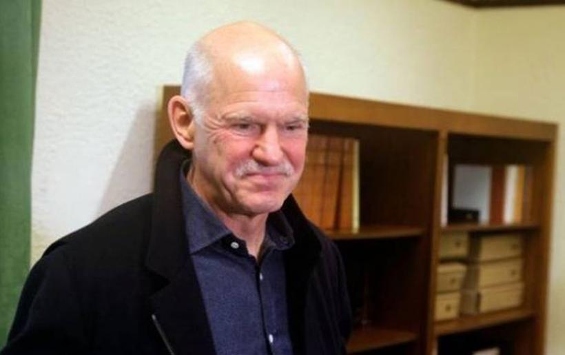Επανεξελέγη πρόεδρος της Σοσιαλιστικής Διεθνούς ο Γιώργος Παπανδρέου