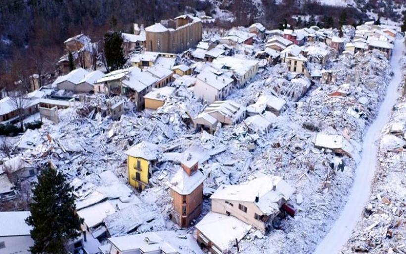 Iταλία: Χιονοστιβάδα μετά τον σεισμό - 30 και πλέον νεκροί