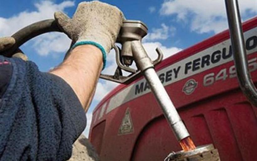 Το μισό 2013 και όλο το 2014 μπαίνει Τρίτη στο αγροτικό πετρέλαιο.