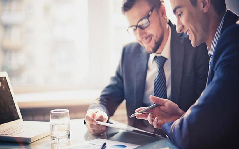 Πώς απλοποιείται το πλαίσιο αδειοδότησης για επιχειρήσεις