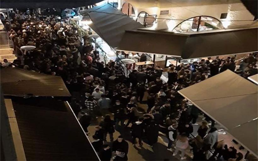 Βόλος: Ηταν και dj και barman… στο κορονοπάρτι στην Τ. Οικονομάκη