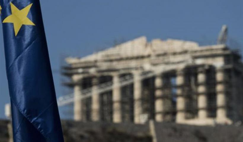 Bloomberg: Γιατί η Ελλάδα κινδυνεύει να χάσει ακόμα μία δεκαετία