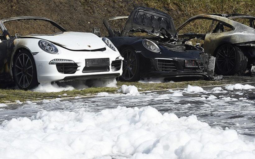 Έκαψαν όλες τις Porsche σε κεντρική αντιπροσωπεία στο Αμβούργο