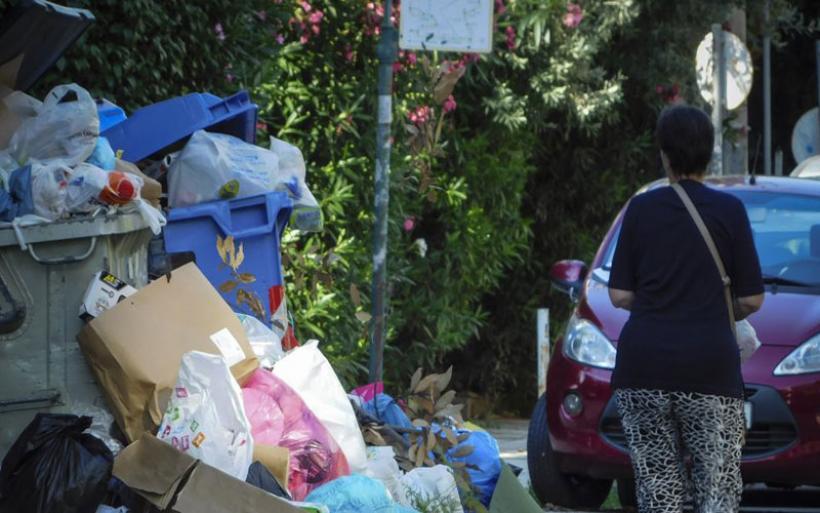 Πανελλαδική απεργία εργαζομένων καθαριότητας στους δήμους σήμερα και αύριο