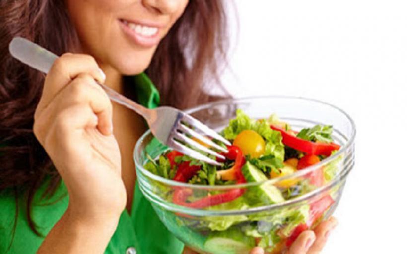 Τροφές που καίνε λίπος και ξεφουσκώνουν το σωσίβιο της κοιλιάς