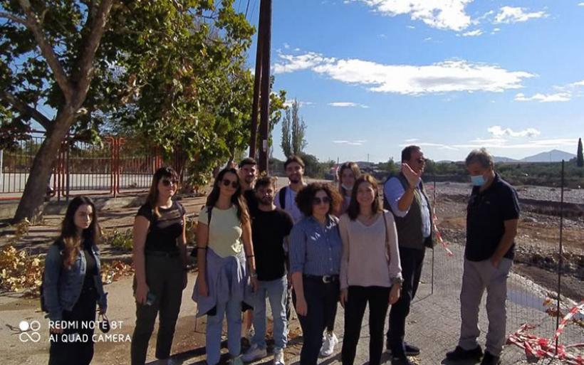Επίσκεψη επιστημονικής ομάδας του Πανεπιστημίου Θεσσαλίας στον Αλμυρό μετά τις καταστροφικές πλημμύρες