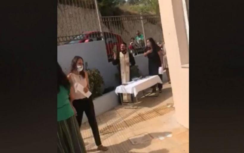 Κρήτη: Συνελήφθη ο ιερέας που έκανε κήρυγμα κατά της μάσκας στα σχολεία