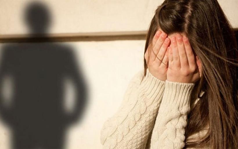 Κρήτη: Στο εδώλιο ο παππούς που βίαζε την 8χρονη εγγονή του