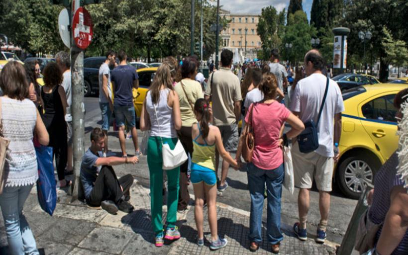 Πρόστιμα και για τους πεζούς -Πότε πρέπει η Τροχαία να τους κόβει κλήσεις