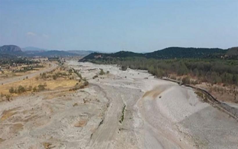 Στέρεψε ο Πηνειός ποταμός - Σε μήκος 25 χιλιομέτρων, «δεν υπάρχει σταγόνα νερού»
