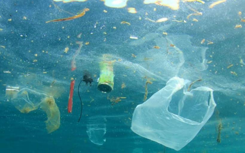 Σκουπιδότοπος με 3.760 τόνους πλαστικών η Μεσόγειος Θάλασσα