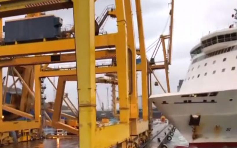Βαρκελώνη: Πλοίο έπεσε σε γερανό στο λιμάνι της πόλης