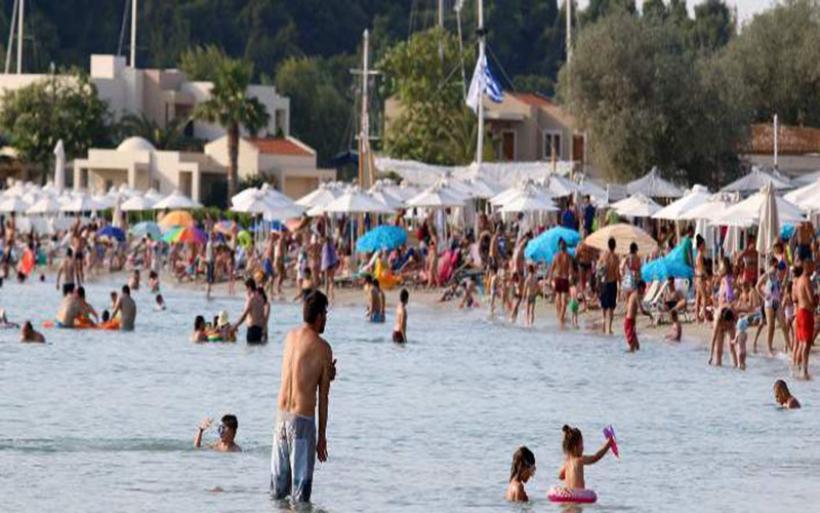 Ο πληθυσμός της Ελλάδας μειώθηκε κατά 30.000 άτομα μεταξύ 2017-2018
