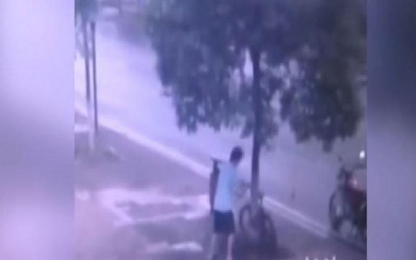 Φρικτό τροχαίο στα Τρίκαλα – Νταλίκα πολτοποίησε ποδηλάτη