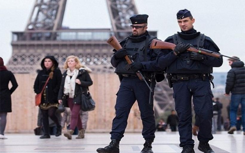 Ευρώπη: Τσιμεντένιοι φράχτες στις πλατείες και περιπολίες