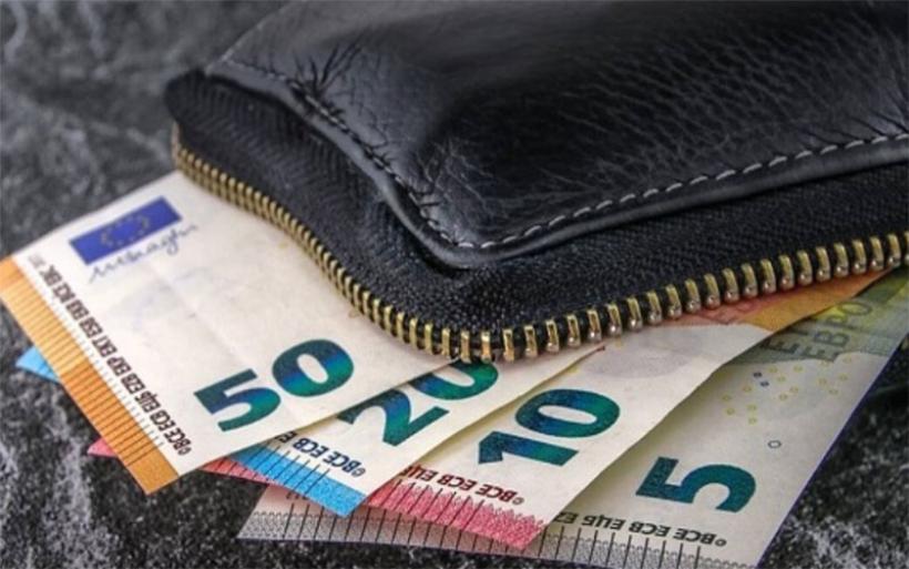 Ν. Αγχίαλος: Βρήκε και παρέδωσε πορτοφόλι με 2.000€