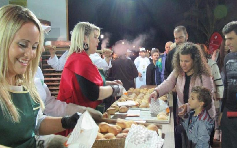 Βόλος: 34.000 άτομα επισκέφθηκαν τη 2η Γιορτή Ψωμιού στην παραλία
