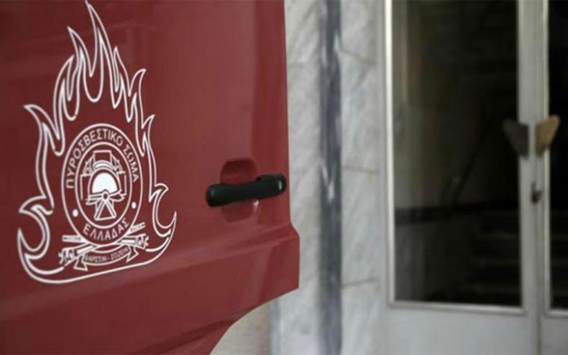 Αγρίνιο: Απείλησε με τσεκούρι πυροσβέστες που πήγαν να σβήσουν φωτιά στο σπίτι του