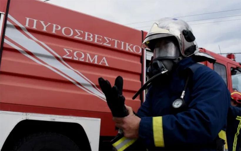 Φωτιά σε φορτωτή στον Πλάτανο Αλμυρού