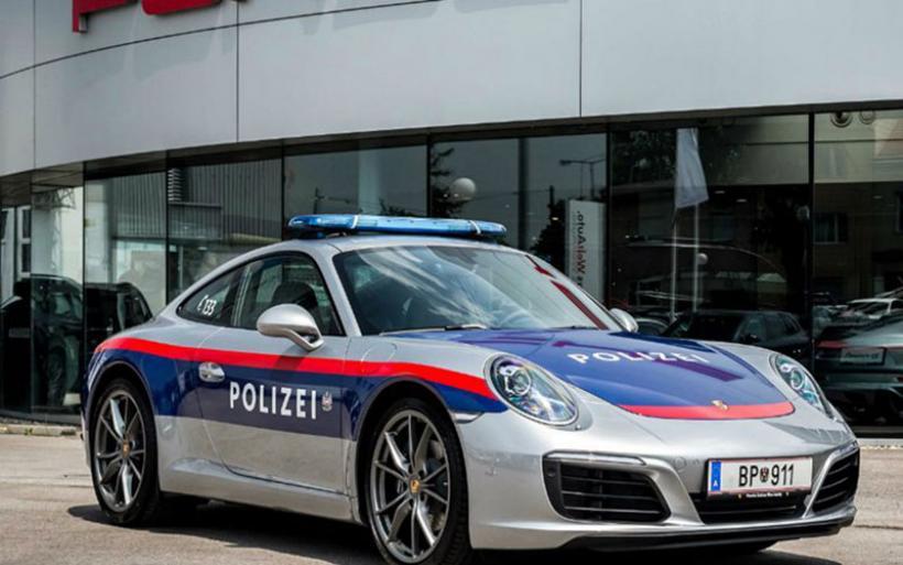 Οι Αυστριακοί αστυνομικοί περιπολούν με Porsche 911