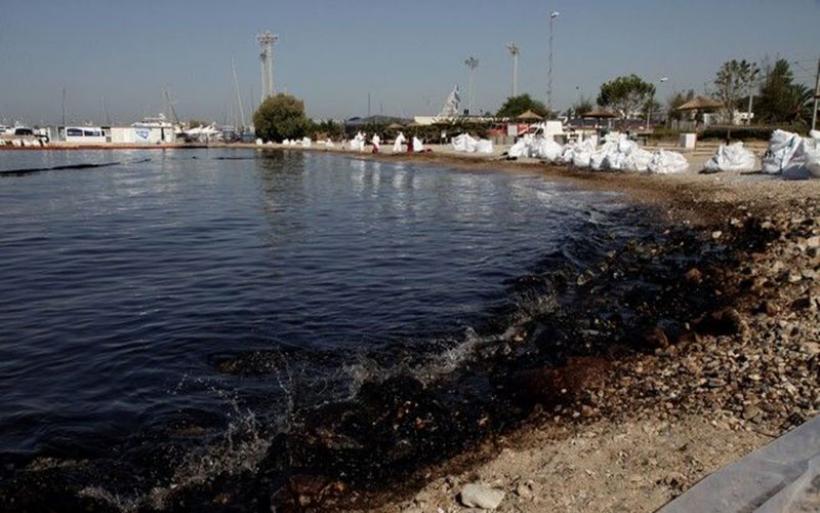 ΑΕΙ για τον Σαρωνικό: Φυσικός καθαρισμός με 'πετρελαιοφάγα' βακτήρια
