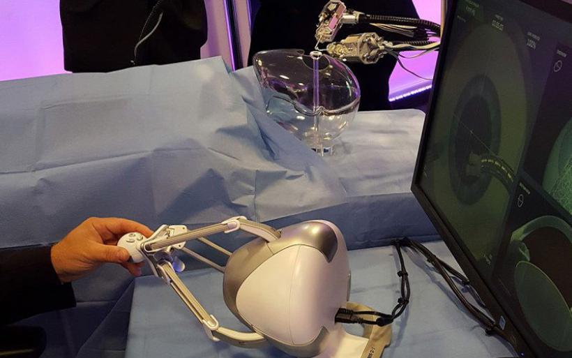 Ρομπότ χειρουργεί καταρράκτη από τα μάτια -Εχει αυτόματο «στοπ» αν κάτι πάει λάθος