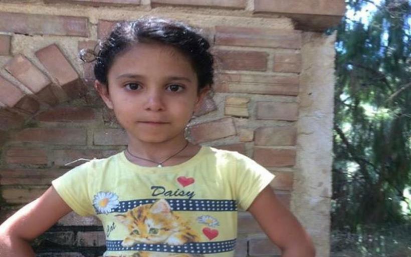 Λαμία: Παραδόθηκε ο δολοφόνος της 13χρονης Ρομά