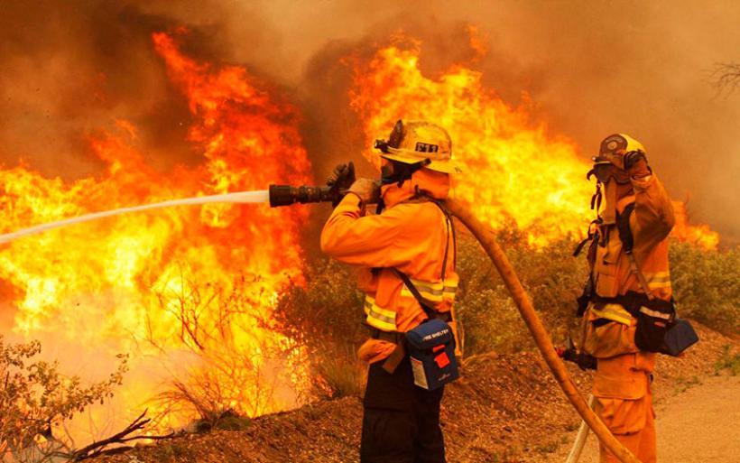 Kυβερνητικές παραφωνίες με φόντο τις πυρκαγιές