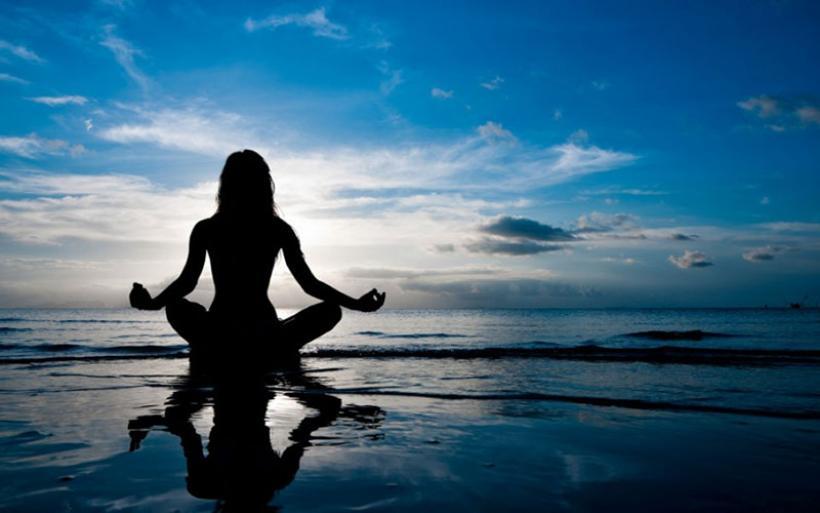 Yoga: Πώς βοηθά την ψυχική μας υγεία;