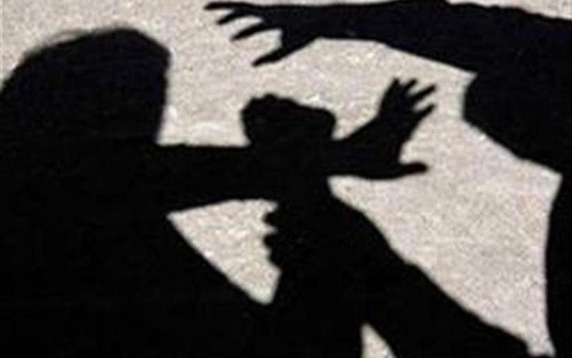 Κρήτη: Σάλος από το δημόσιο ξυλοδαρμό 11χρονης από τον πατέρα της