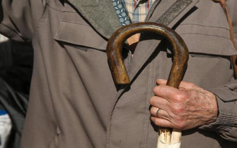 """Προς κατάργηση η """"13η σύνταξη""""! Έρχεται μηχανισμός στήριξης χαμηλοσυνταξιούχων"""