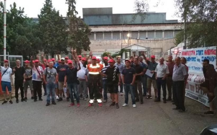 Παρέμβαση στην πύλη της ΣΟΒΕΛ στον Αλμυρό, από απεργούς χαλυβουργούς