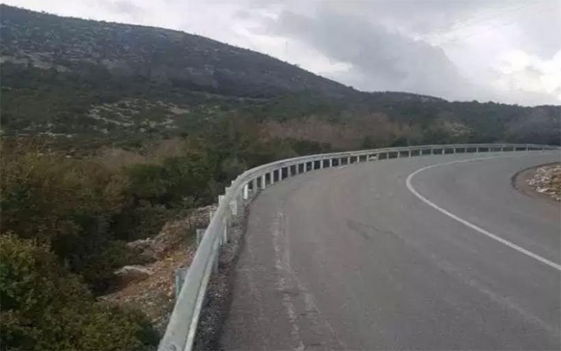 Τοποθέτηση στηθαίων στο οδικό δίκτυο της Μαγνησίας από την Περιφέρεια Θεσσαλίας