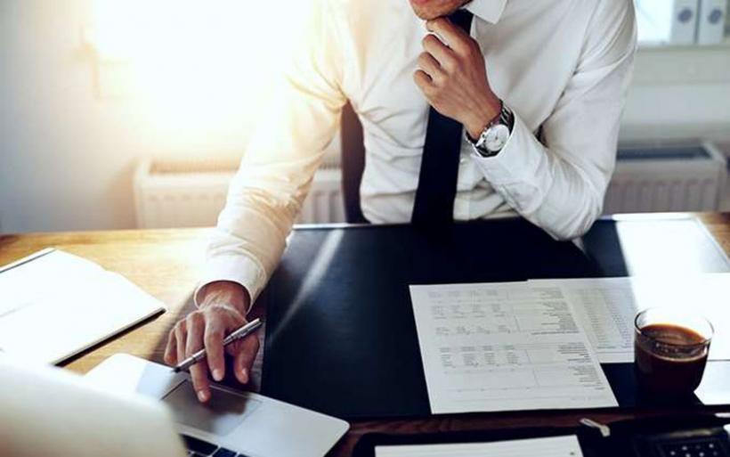 Πιο αυστηρά τα κριτήρια χορήγησης νέων δανείων σε επιχειρήσεις