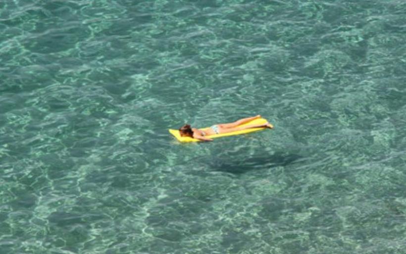 Στυλίδα: Περιπέτεια για 6χρονη που παρασύρθηκε σε στρώμα θαλάσσης