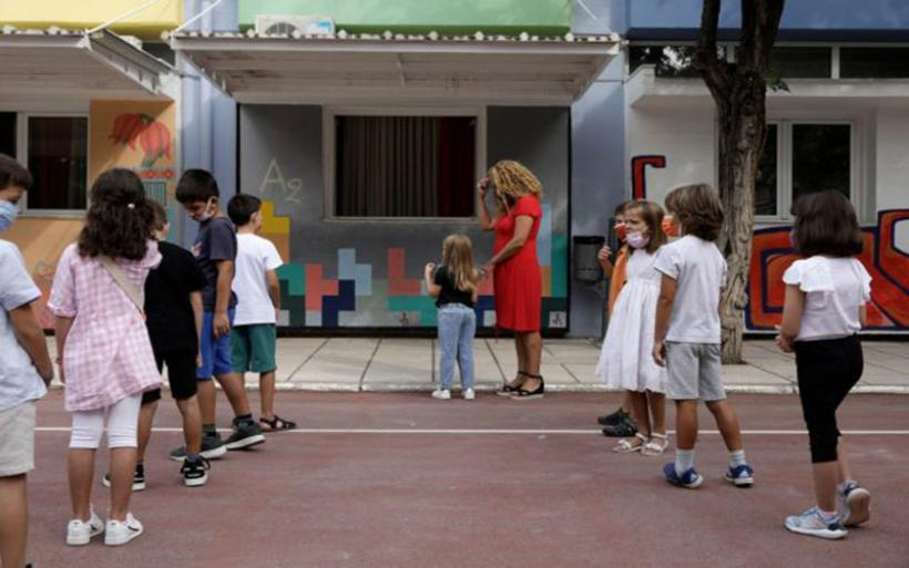 Κοροναϊός – Πότε θα φανεί το αποτύπωμα στην πανδημία από το άνοιγμα των σχολείων – Προβλέψεις για έκρηξη κρουσμάτων σε παιδιά