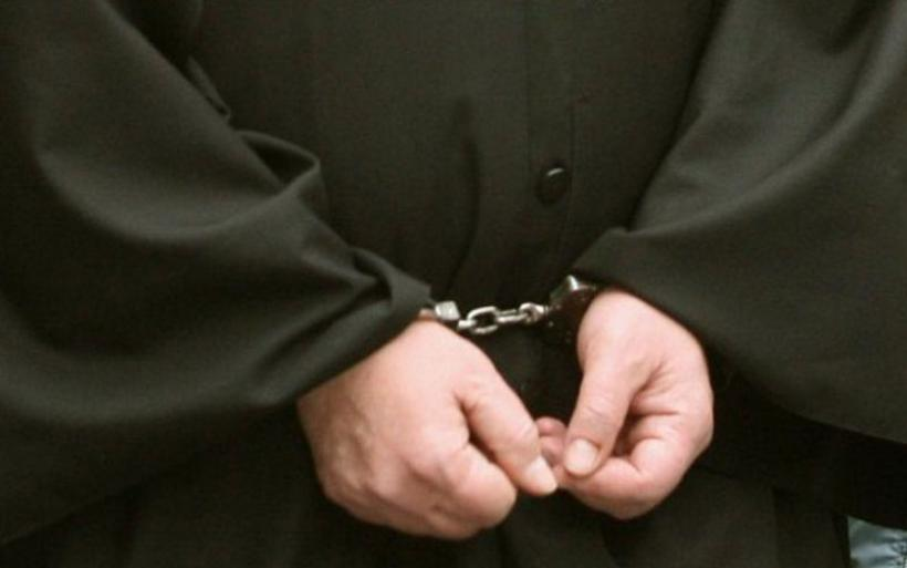 Προφυλακιστέος ο 80χρονος ιερέας για ασέλγεια σε 11χρονη – Ελεύθερη με περιοριστικούς όρους η μητέρα της