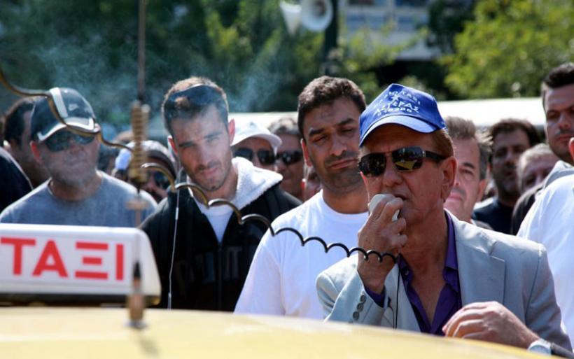 Εκδικάζεται η αγωγή της BEAT εναντίον του Λυμπερόπουλου - Απεργούν οι οδηγοί ταξί
