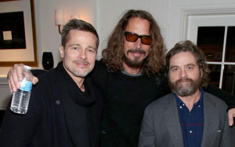 Ο Μπραντ Πιτ διασκεδάζει με τους Στινγκ, και Ζακ Γαλιφιανάκη σε φιλανθρωπική εκδήλωση