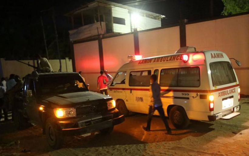 Μακελειό στη Σομαλία:17 νεκροί σε εστιατόριο από επίθεση τρομοκρατών της Αλ Σαμπάμπ