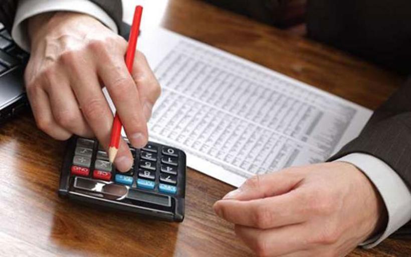 Οχτώ επείγοντα μέτρα για εισφορές και χρέη στα Ταμεία ζητούν μηχανικοί, γιατροί και δικηγόροι