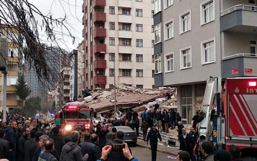 Κωνσταντινούπολη: Κατέρρευσε εξαώροφο κτίριο. Δύο νεκροί. Η στιγμή της κατάρρευσης (βίντεο)