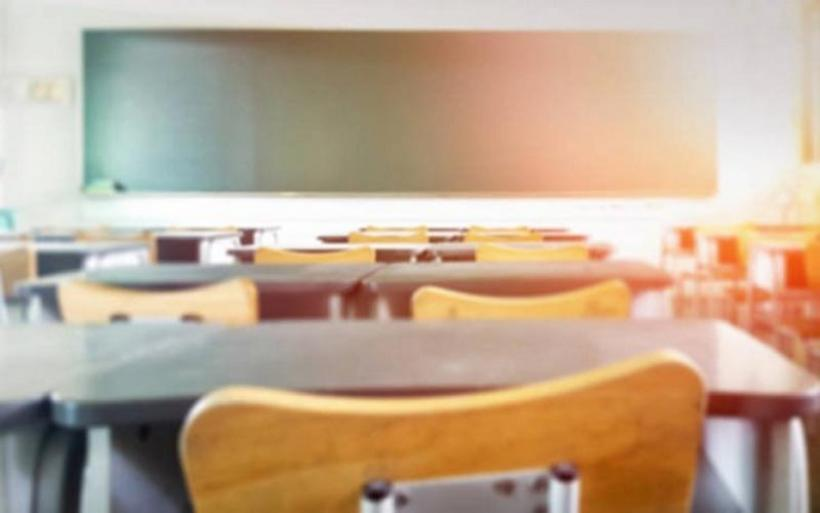 Εξοργιστικό βίντεο: Μαθητής απειλεί καθηγήτρια για μια απουσία