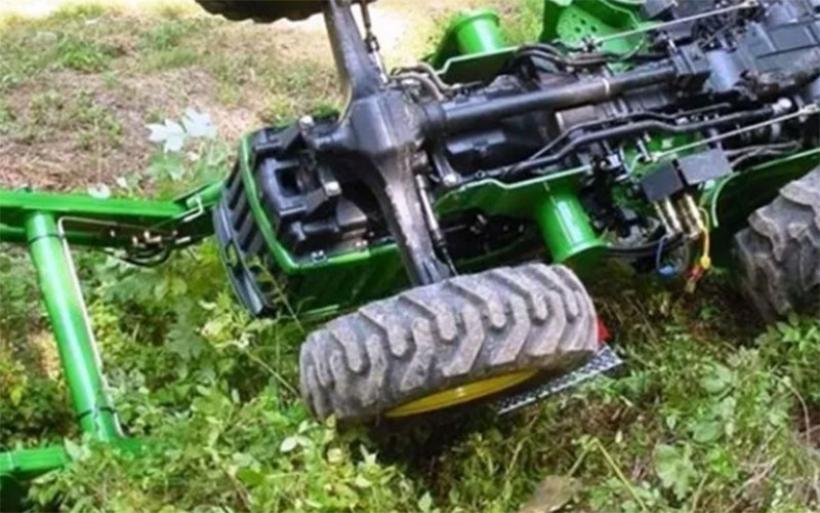 Τύχη «βουνό» είχε αγρότης στην περιοχή της Σούρπης– Ανατράπηκε το τρακτέρ που οδηγούσε
