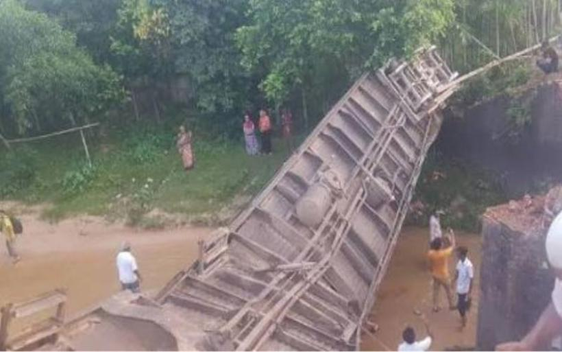 Μπανγκλαντές: 4 νεκροί και 100 τραυματίες από τον εκτροχιασμό τρένου