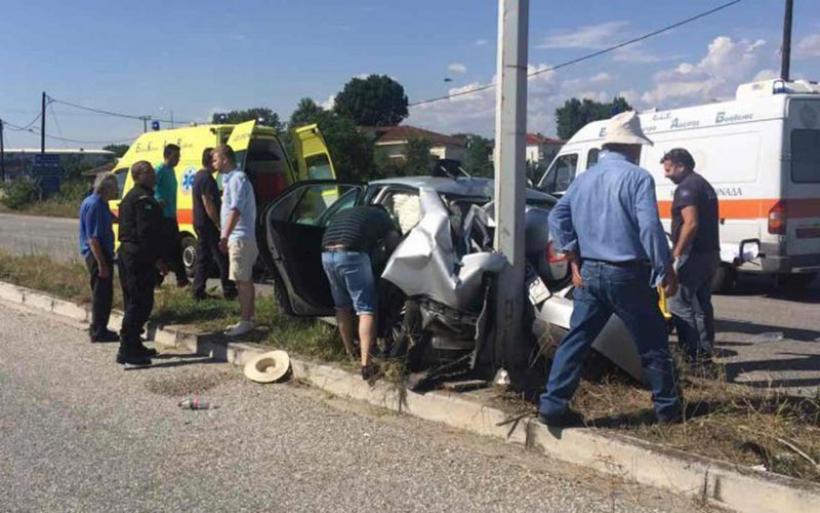 Τρομερό τροχαίο με τραυματίες στα Τρίκαλα