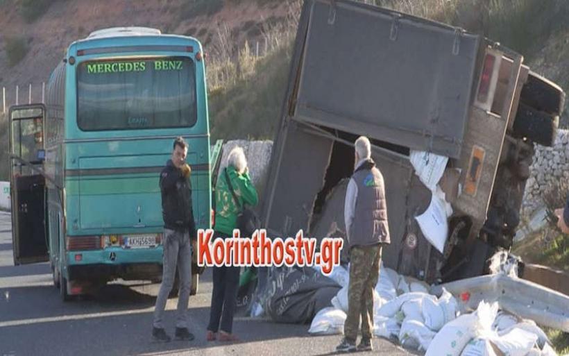 Σοκαριστικό τροχαίο με λεωφορείο του ΚΤΕΛ στην Εθνική Οδό Κορίνθου–Τρίπολης [εικόνες]