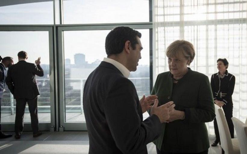 Μέρκελ καλεί Τσίπρα πριν την επίσκεψή της στην Τουρκία